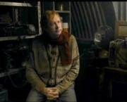 Arthur en el cobertizo