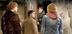 P8 Trio in hogsmeade