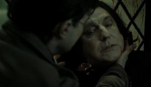 Snape segundos antes de morir
