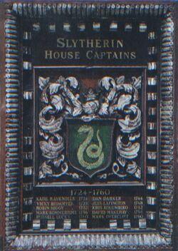 HPPTS Placa de los capitanes del equipo de quidditch de slytherin (1724-1960)