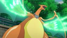 EP909 Charizard usando garra dragón