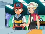 EP524 Ash y Maya accionando la palanca