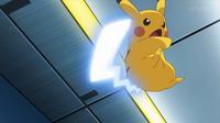EP928 Pikachu usando cola férrea
