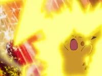 EE04 Pikachu usando Impactrueno
