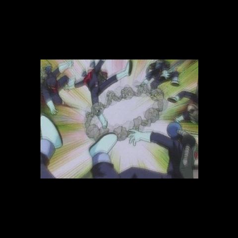 Los soldados Rocket siendo golpeados por Geodude en S.S. Anne.