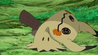 EP946 Mimikyu con el disfraz roto