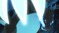 PO04 Mega Charizard X usando cuchillada