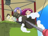 EP470 Team Rocket en su globo