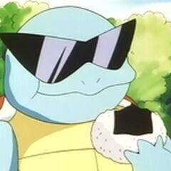 Squirtle comiendo con sus gafas de sol.