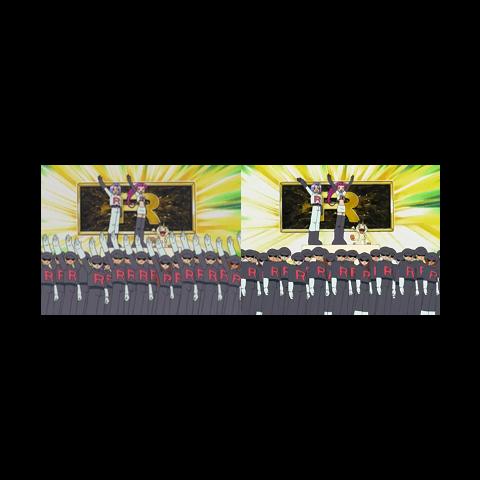 Comparación entre la versión japonesa (izquierda) y la versión occidental (derecha) donde se aprecia la eliminación del saludo por parte de los soldados.