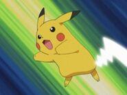 EP292 Pikachu usando cola de hierro (2)