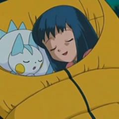 Dawn/Maya durmiendo con Pachirisu.