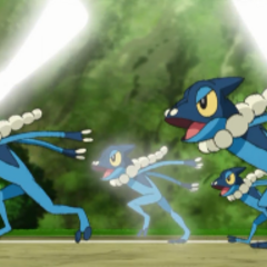 EP862 Frogadier usando doble equipo.png