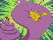 EP279 Pikachu usando placaje