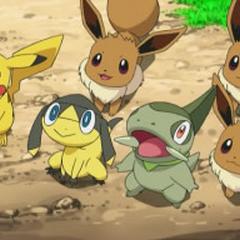 Helioptile junto a Pikachu, Axew y los 3 Eevees.