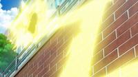EP964 Pikachu usando rayo