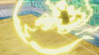 EP943 Pikachu usando rayo