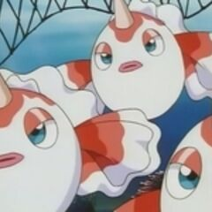 Team/Equipo Rocket intentando robarse a los Goldeen.