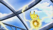 P16 Pikachu usando bola boltio