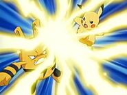 EP431 Elekid vs Pikachu