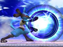 Lucario usando aura esfera en ssbb