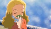 P10 Alice tocando la hoja silbato (2)