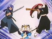 EP233 James y Jessie disfrazados de ninjas