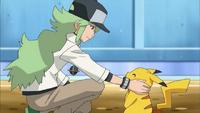 EP772 N junto al Pikachu de Ash