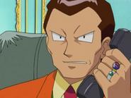 EP278 Giovanni hablando por teléfono