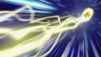EP673 Pikachu usando rayo