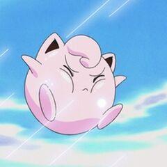 <b>Pink</b> siendo atacada en el aire