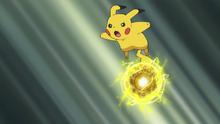 EP1000 Pikachu usando bola voltio