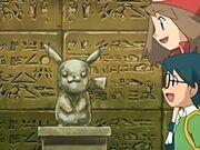 EP455 Estatua de Pikachu