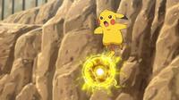 EP950 Pikachu usando bola voltio