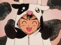 EP004 Ash disfrazado de vaca