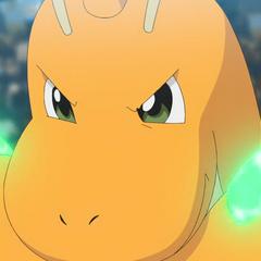 Dragonite usando Garra dragón en el <a href=