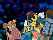 EP525 Ash, Maya y Brock revelan que ellos destruyeron el monumento