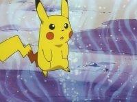 EP107 Pikachu siendo atacado con hipnosis