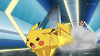 EP928 Pikachu usando ataque rápido