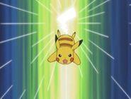 EP292 Pikachu usando cola de hierro