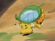 EP288 Pikachu y Torchic llevando agua