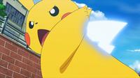 EP964 Pikachu usando cola férrea