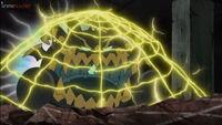 EP1044 Pikachu usando Electrotela contra Guzzlord