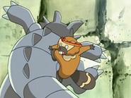EP526 Bibarel atacando a Rhydon