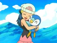 EP476 Maya abrazando a Piplup