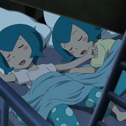 Sarah y Harper durmiendo.