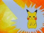 EP286 Primero Meowth quiere empapar a Pikachu