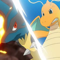 Mega-Lucario usando Puño incremento y Dragonite usando Garra dragón.