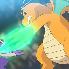 Dragonite usando Garra dragón para derrotar a Mienshao.