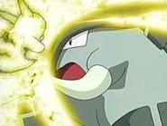 EP433 Pikachu usando placaje eléctrico sobre Donphan